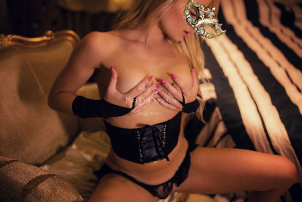 Escort Lady Afrodite - best girls in Athens